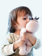 pg-toddler-bedtime-routines-toddler-with-stuffed-animal-full